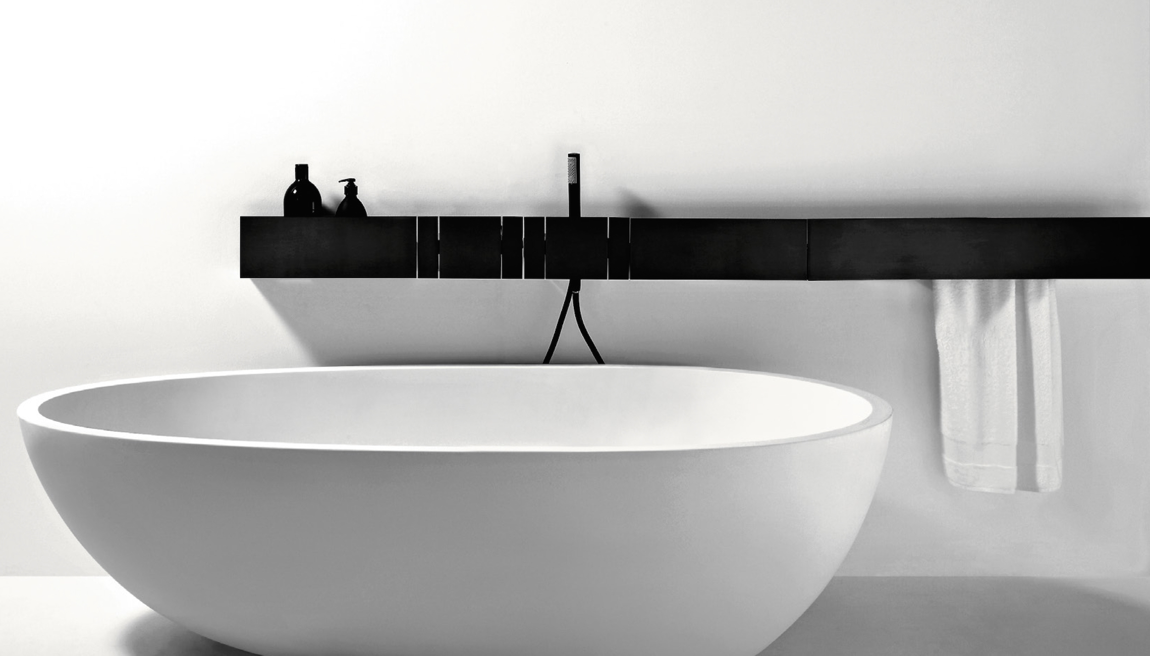 wooden bathtub alpi holzbadewanne bathtubs laguna alegna unique freestanding products black en striking weightless pearl
