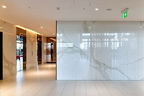 MAXIMUM Calacatta Polished lobby walls.jpg