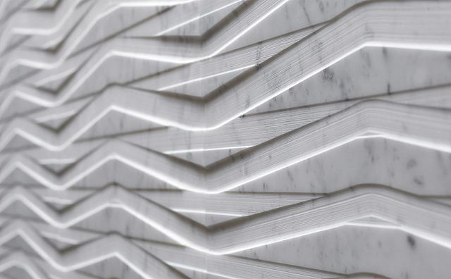 Domino Rilievo Eco Carrara Ghiaccio detail.jpg