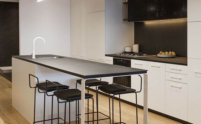 Maximum Moon 6mm. Richmond Place Apartments by BG Architecture_01.jpg