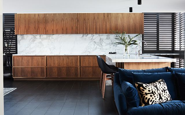 Calacatta Vagli. Luxe Bay Apartment by EB Interiors. Styling by Maden Studio. Photography by Prue Ruscoe - 01.jpg